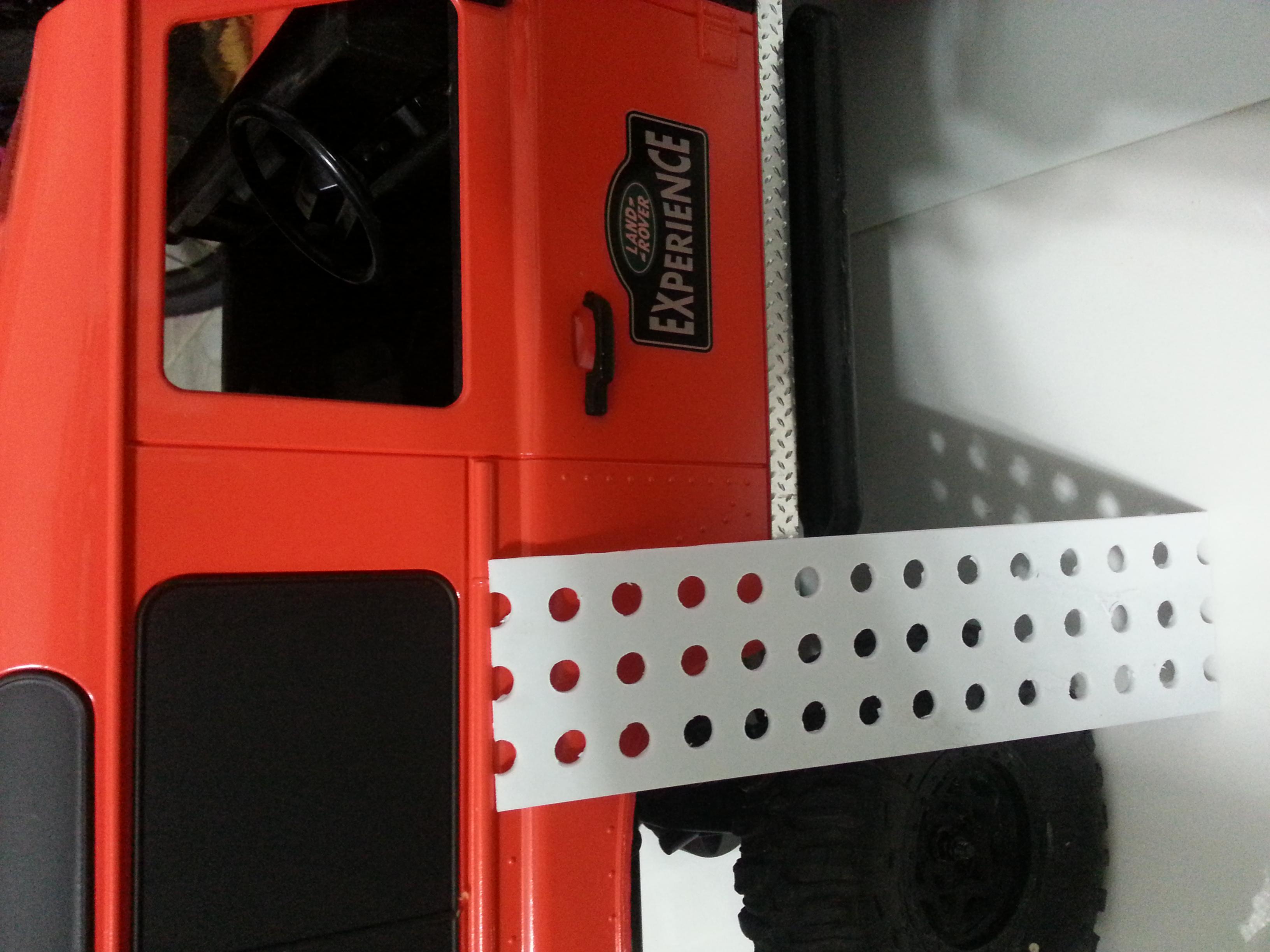 rover - Babyboy's 2nd Land Rover Defender D90 14978548471_fbda404471_o
