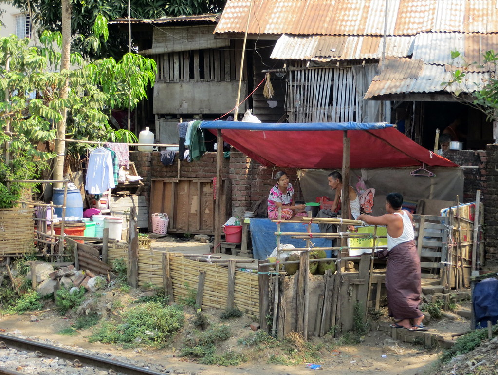 Bangkok ja Yangon 727