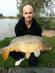 Danny with a 22lb 4oz mirror, caught near the margin on a 16mm Mainline High Impact Banoffee Boilie