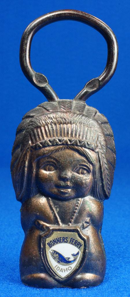 RD15029 Vintage Bottle Opener Native American Indian Bronze Figural Bonners Ferry Idaho Japan DSC06857