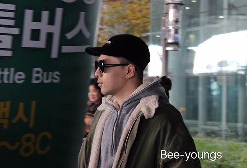 YB Dae TOP arrival Seoul from Nagoya 2016-12-05 (27)