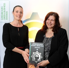 Miriam Kennet winning Green business award