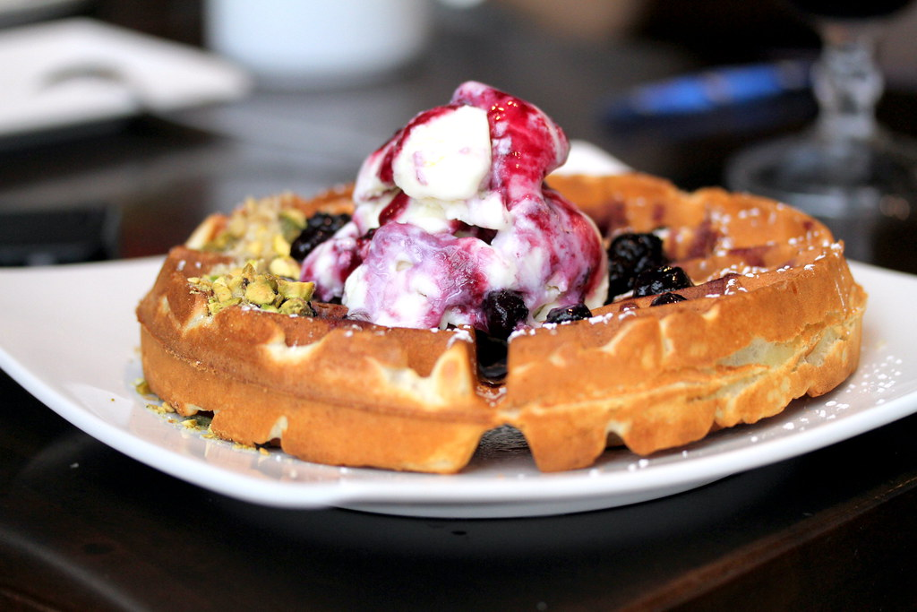 JEM Food Trail: MADO's Homemade Blueberry Cheesecake Waffle