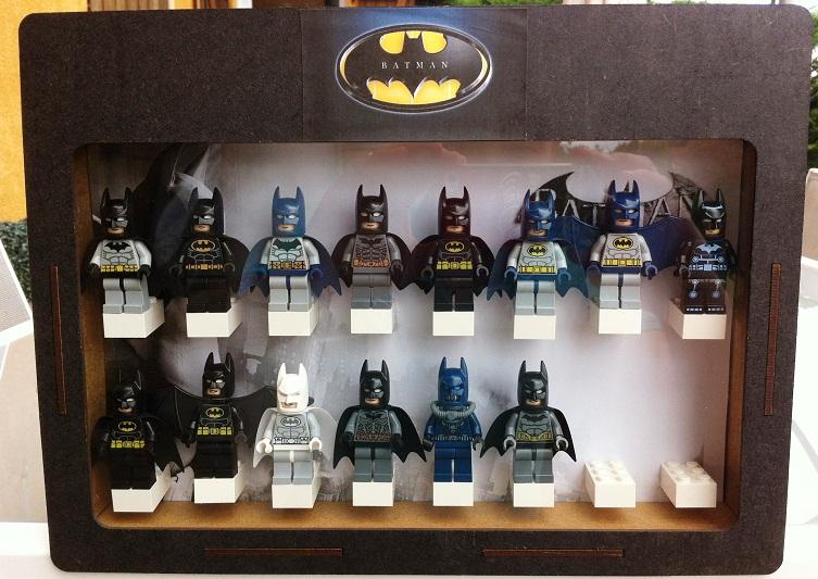 afficher le sujet vitrine figurine batman. Black Bedroom Furniture Sets. Home Design Ideas