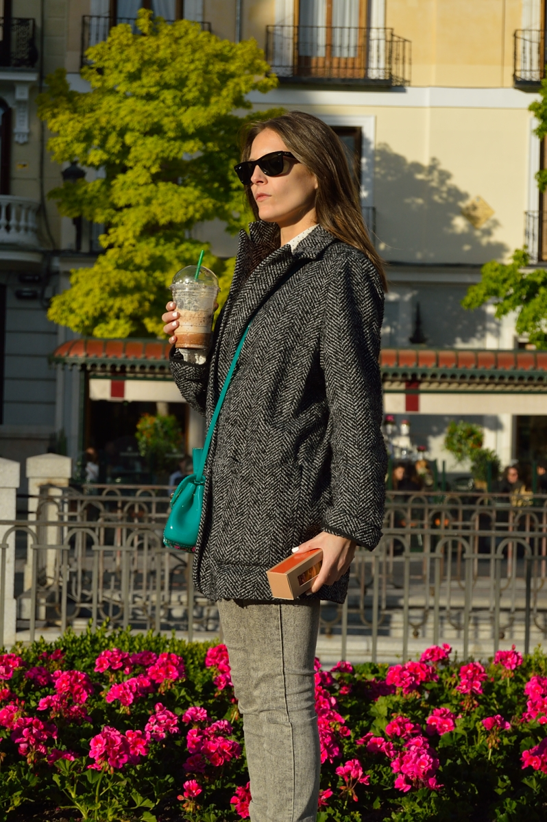 lara-vazquez-madlula-blog-style-color-grey-attire