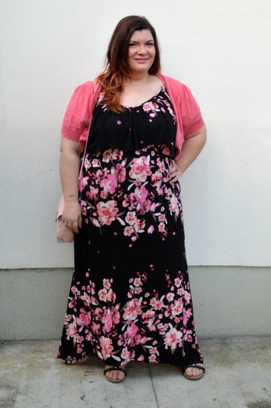 outfit rosa e floreale 8