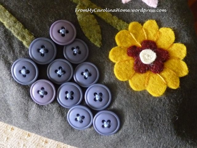 Spring Basket Wool blue button flower