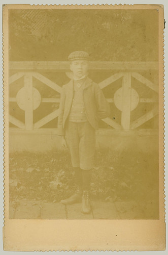 Cabinet Card boy in short pants