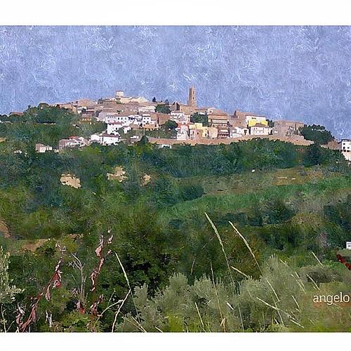 Un ritratto del mio Abruzzo durante un mio viaggio in bici...Cellino Attanasio presentato con un po'di fantasia!! #yourabruzzo #ig_abruzzo #abruzzo #instagraitalia #cellino
