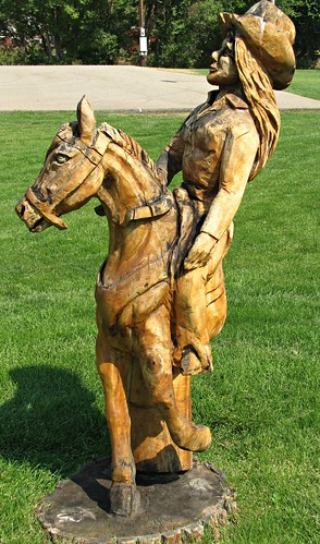 park statue colorado craig carvings smalltown wooded treetrunkcarvings