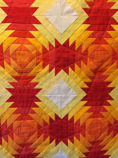 Sunset Pineapple_front quilting detail