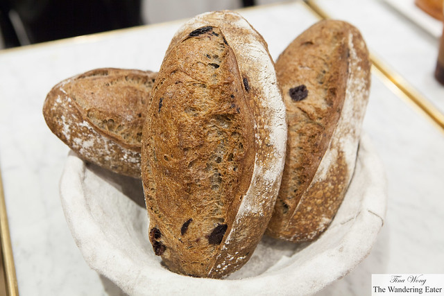 Buckwheat & kalamata olives (seasonal loaf)