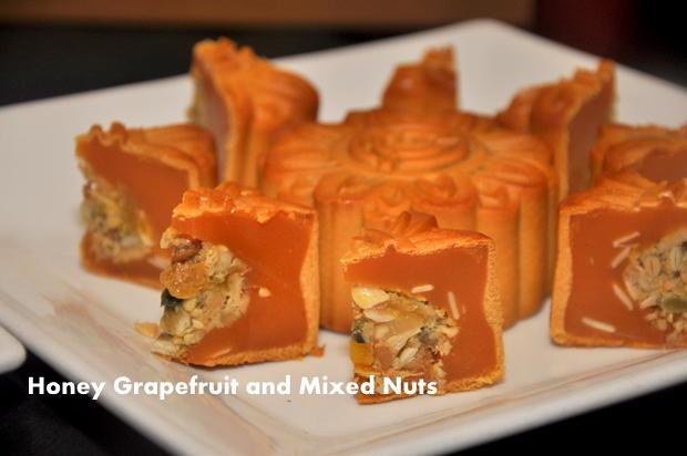 Tai Thong Mooncake 7 Honey Grapefruit and mixed nuts