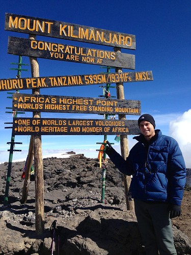 Student gives eye care to kids by climbing Mount Kilimanjaro