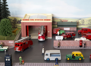Dinky Toys Fire Station, Emergency Call-out Diorama