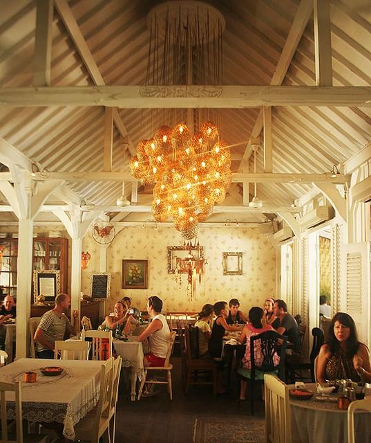 cafe bali Photo via rnr2014.com