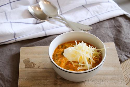 Tomaten-Gemüse-Suppe mit Poulet-Stückchen; homemade by machetwas.blogspot.com #machetwas.blogspot.com #soupe #homemade #lowcarb
