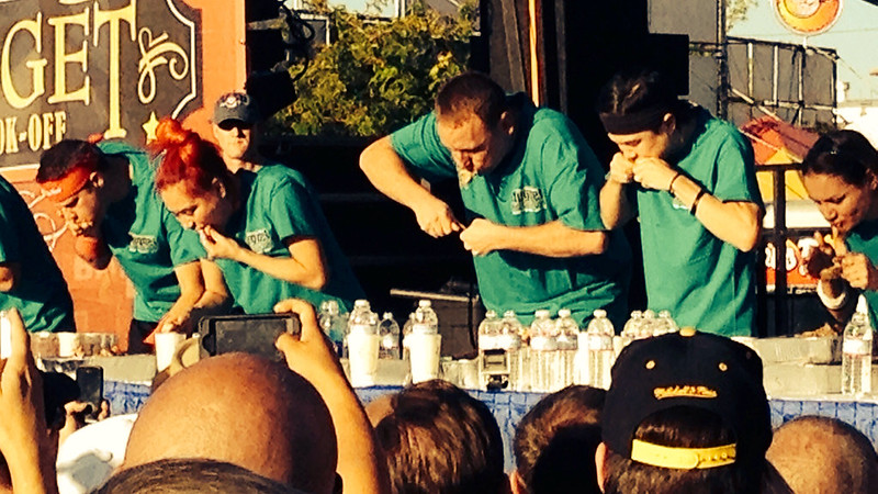 Joey Chestnut eats 9.5 pounds of ribs to win in the 2014 Nugget World Rib Eating Championship