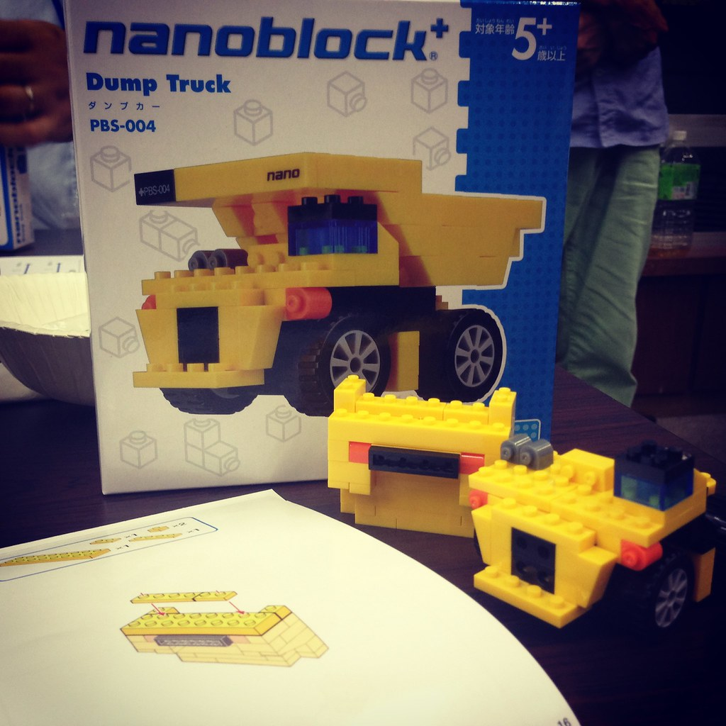 ナノブロックプラス_ダンプカー未完成