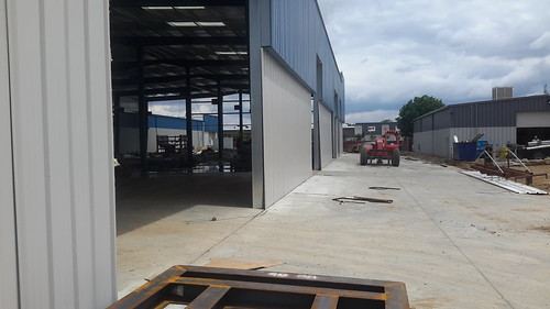 Commercial warehouse - Clovis, CA