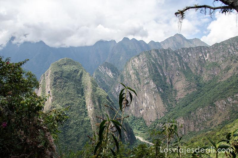 montañas que rodean Machu Picchu