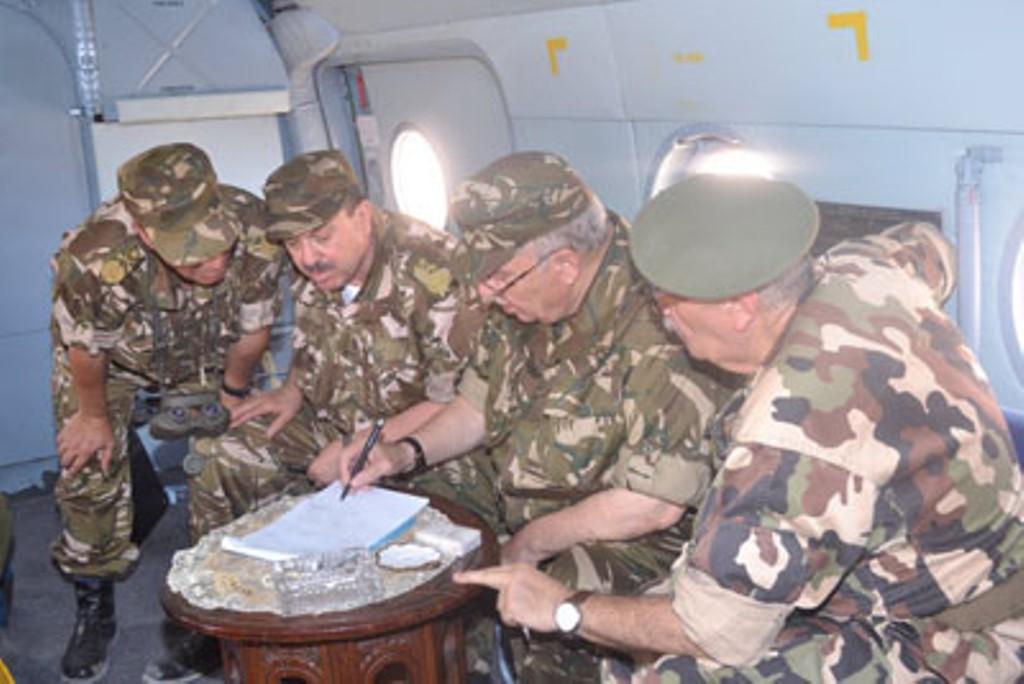 الجزائر : صلاحيات نائب وزير الدفاع الوطني - صفحة 4 30776534625_a64184e5de_o