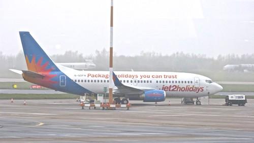 G-GDFN 'Jet2' Boeing 737-33V on 'Dennis Basford's railsroadsrunways.blogspot.co.uk'