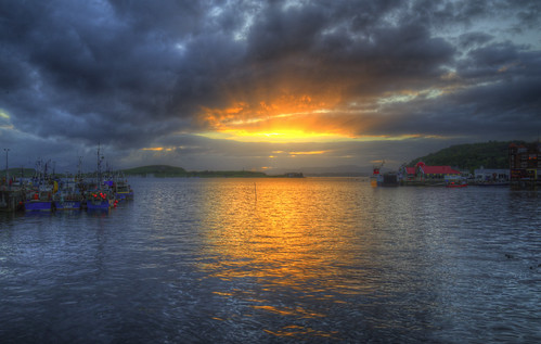 sunset sea holiday seascape storm mountains water ferry clouds reflections landscape boats islands evening scotland seaside nikon bright harbour dramatic stormy hills oban ripples rays calmac shafts hdr 3xp handheldhdr nikond600