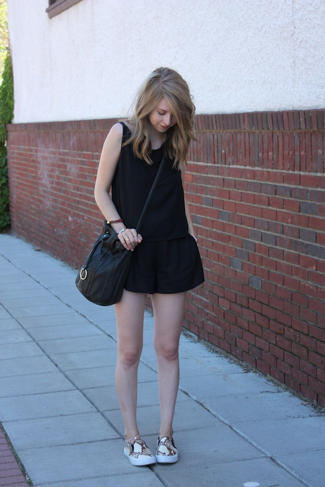 chelsea+lane+zipped+truelane+blog+minneapolis+fashion+style+blogger+justfab+american+eagle+soft+shorts+vintage+steve+madden+blonde+salad+tnyc+slip+ons+chiara+ferragni2