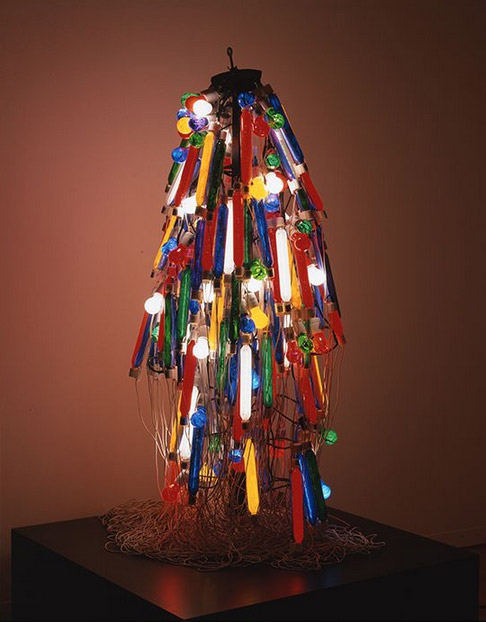 Atsuko Tanaks, Electric Dress, 1956, reconstructed in 1986 @ Ryoji Ito