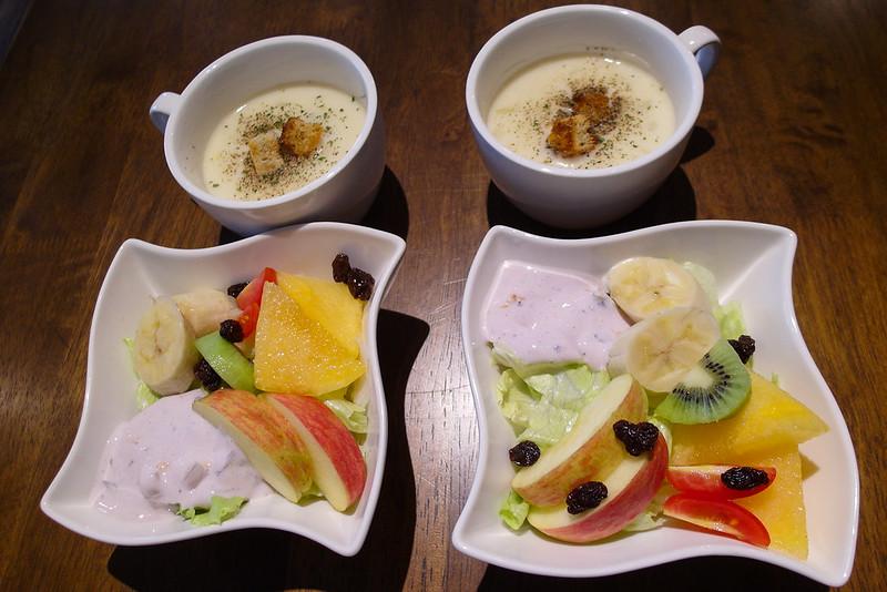 [美食] 台南 窩吧 老屋改造成咖啡店,裝潢氣氛佳~ 不小心就窩了五個小時!