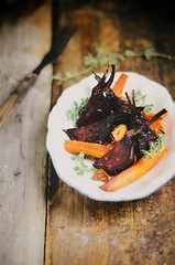 oven roasted beets and carrots with coriander #glu…