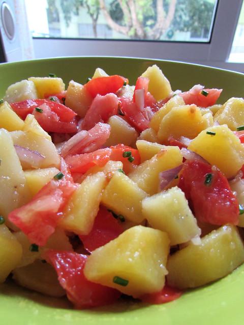 Salada de batata para acompanhar carapaus assados
