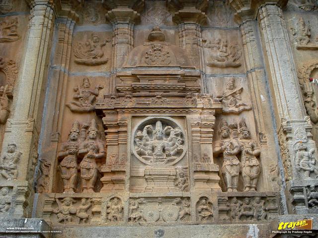 A sculpture of a Hindu deity, on the Southern wall of Vidyashankara Temple, in Sringeri, Chikkamagalur district, Karnataka, India