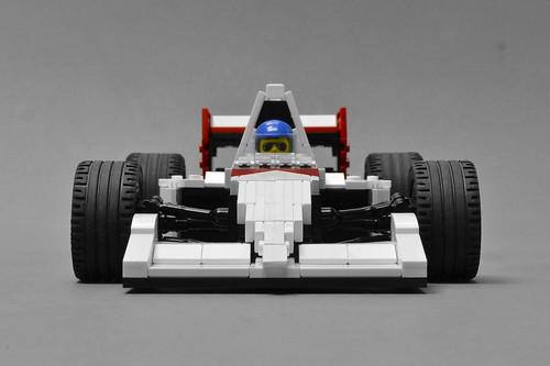 McLaren MP4/6 (2)