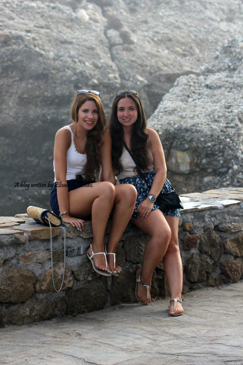 shorts-de-encajes-azules-por-Nerja-HEELSANDROSES-(3)