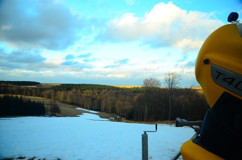 sunshine clouds herbst wolken bluesky schneekanone snowmaking vorbereitung schneereste telnice schneemaschine technoalpin