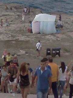 tenda a Grottone ai piedi della statua foto di Aldo Sportelli