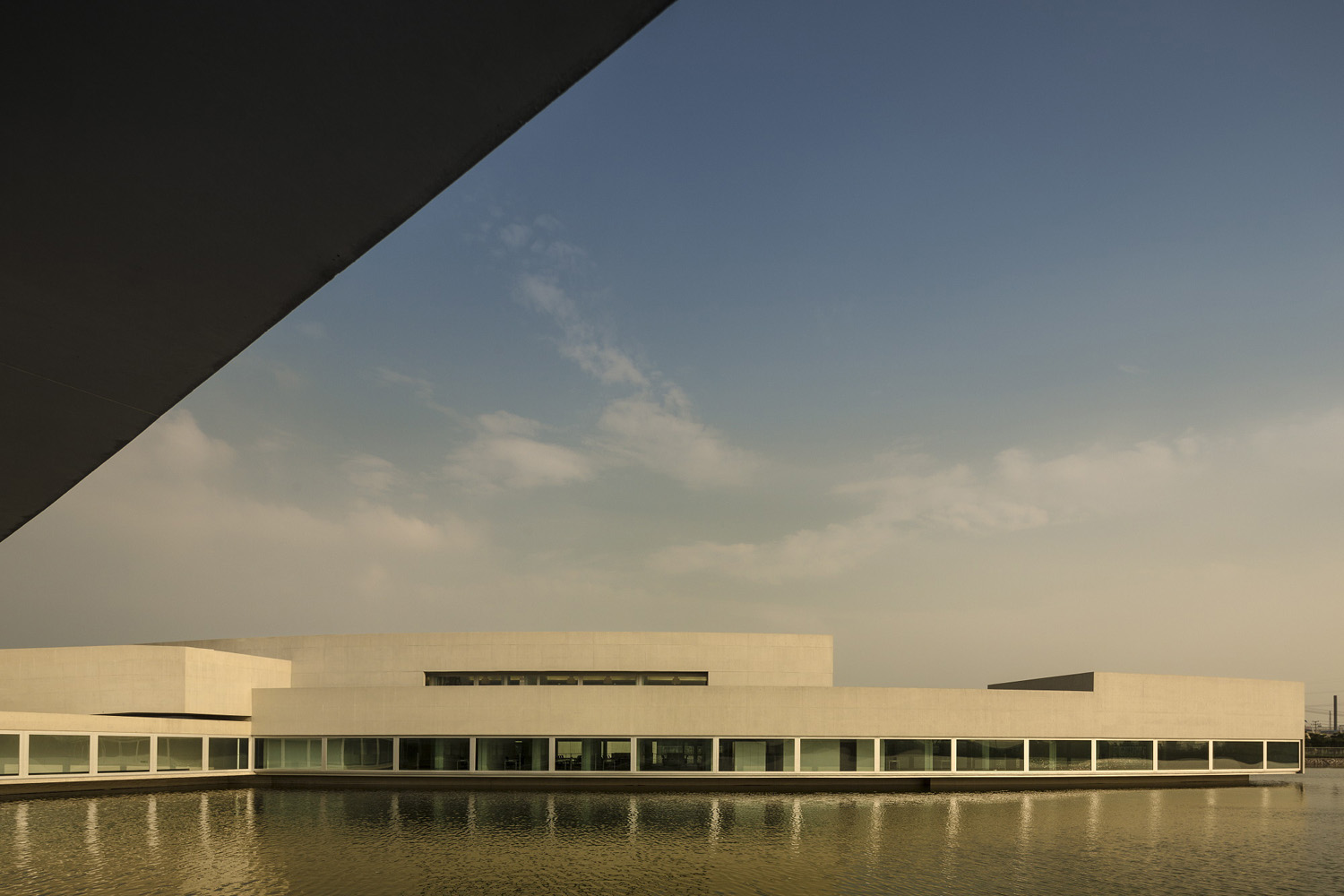 mm_The Building on the Water design by Álvaro Siza + Carlos Castanheira_17