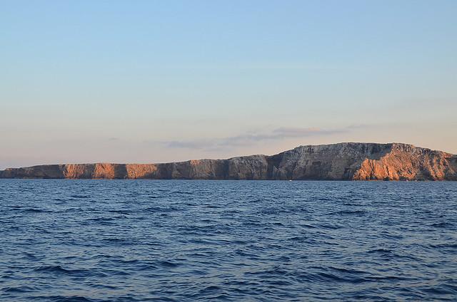 Acantilados vírgenes del norte de Menorca