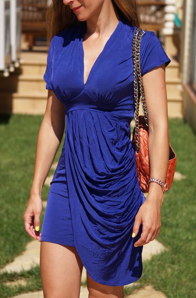 http://www.chicfy.com/vestido/vestido-lycra-cenido-con-escote-pico