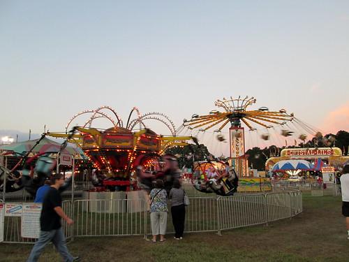 carnival sky festival fun evening nc dusk northcarolina fair entertainment midway countyfair kinston carnivalrides amusementrides communityevent fairrides amusementdevice mechanicalrides amusementsofamerica lenoircountyfair