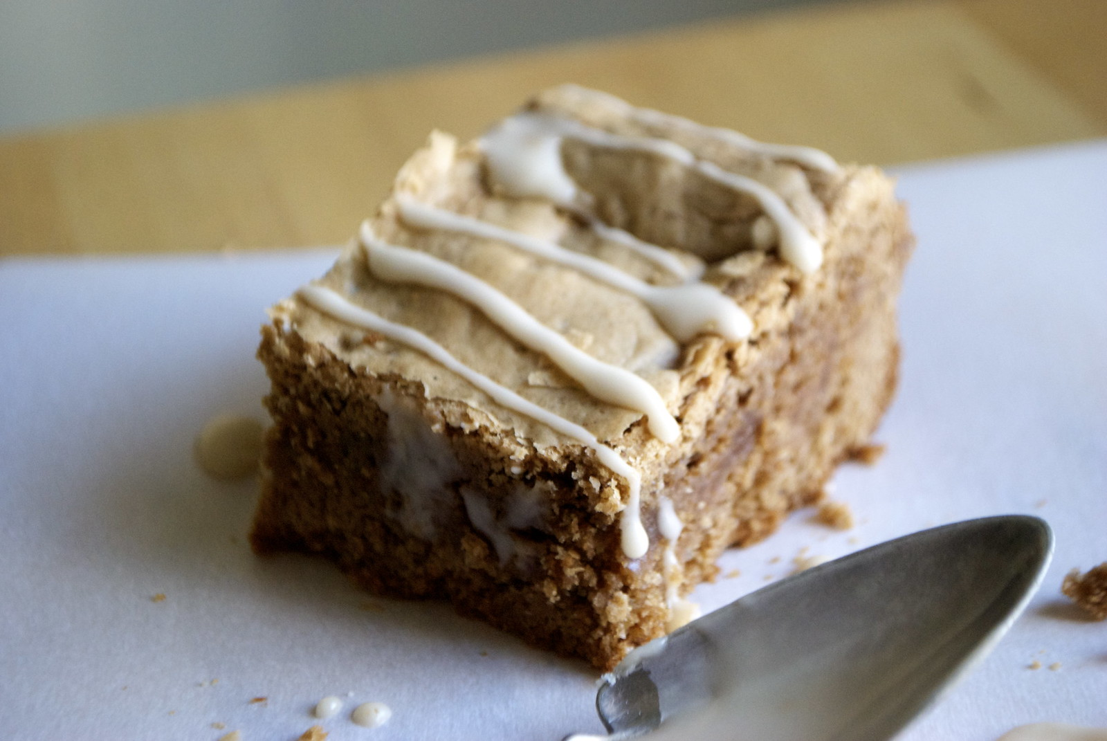 autumn spice cake mix blondies with vanilla glaze