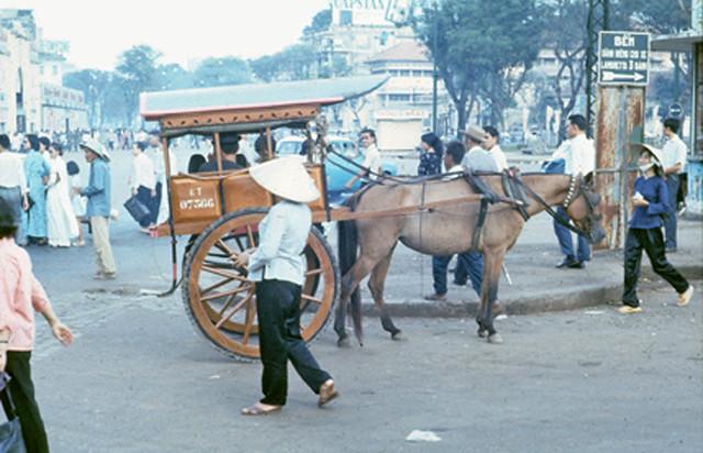 Saigon 1966 - Bùng binh chợ Bến Thành