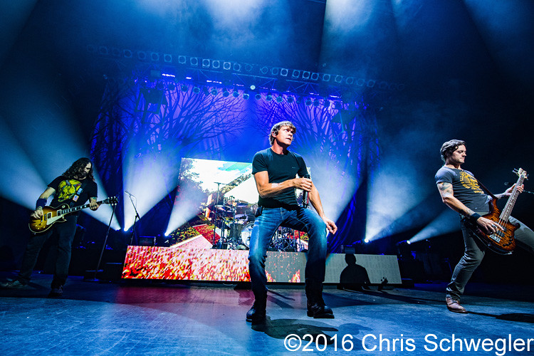 3 Doors Down @ The Fillmore Detroit MI - 10-05-16 & Photos of 3 Doors Down from October 5th 2016 at The Fillmore in ... pezcame.com