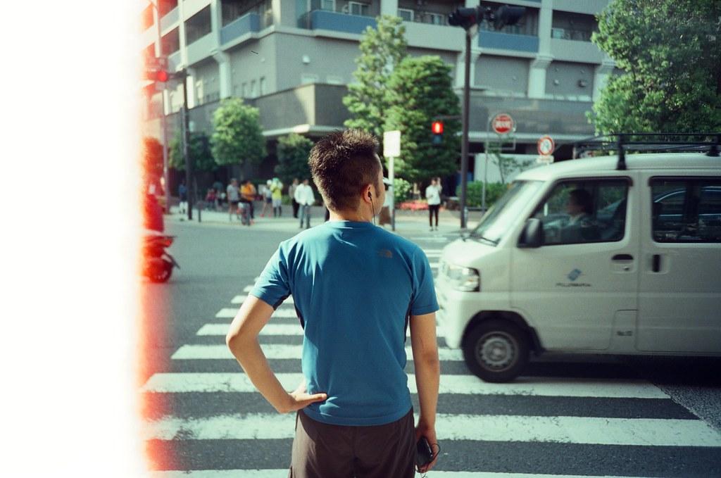 橫濱 Yokohama, Japan / KODAK 500T 5219 / Lomo LC-A+ 逛完橫濱中華街後準備離開,直接在中華街這段搭車進東京市區。  後來發現搭到橫濱之後轉東橫線可以一路到中目黑、代官山、渋谷。因為晚上是住在惠比壽附近,就覺得很順的路線。  晚上我的確去了一趟代官山的蔦屋書店。  Lomo LC-A+ KODAK 500T 5219 V3 7393-0003 2016-05-21 Photo by Toomore