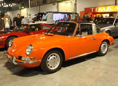 porsche 911(0.0), coupã©(0.0), convertible(0.0), automobile(1.0), vehicle(1.0), porsche 912(1.0), porsche(1.0), porsche 911 classic(1.0), antique car(1.0), land vehicle(1.0), sports car(1.0),