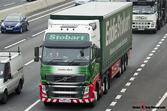 Volvo FH 6x2 Tractor with 3 Axle Curtainside Trailer - PX60 CVG - H4609 - Catalina Marie - Eddie Stobart - M1 J10 Luton - Steven Gray - IMG_4789