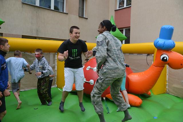 Polish community embraces US Airmen