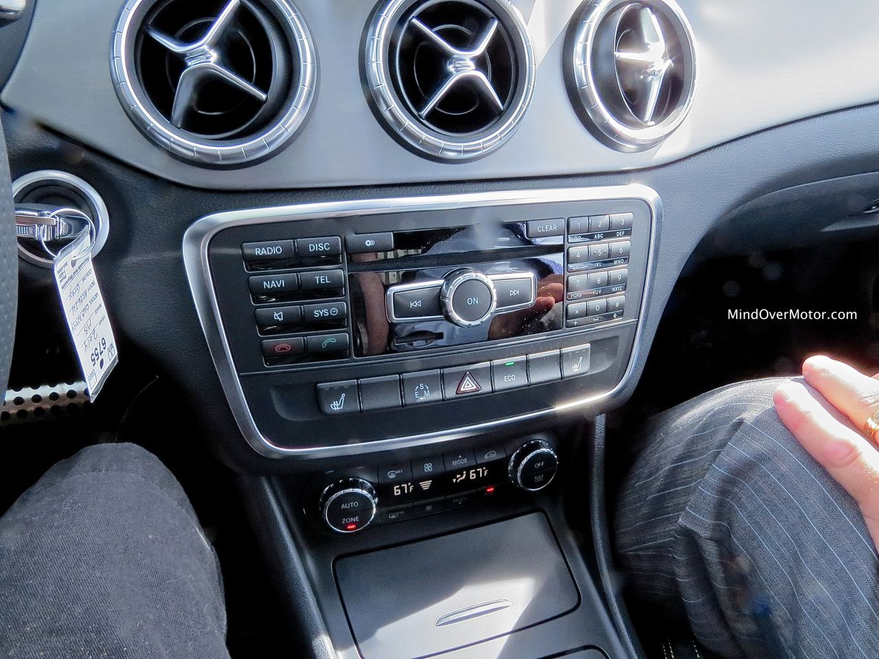 Mercedes-Benz CLA250 Center Stack